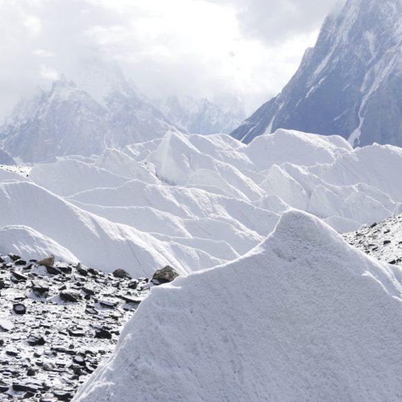 """""""Vele"""" del ghiacciaio del Baltoro - Foto Carlo Alberto Garzonio - Riproduzione riservata"""