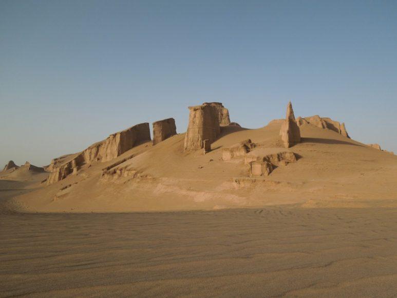 Deserto di Lut, zona arida dell'Iran orientale incastonata tra catene montuose e inesplorata fino a pochi anni fa