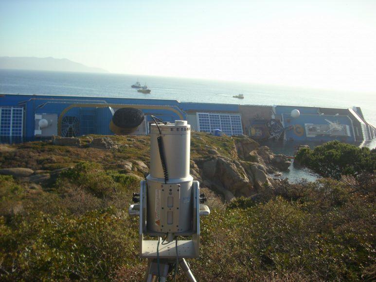 Il team del dipartimento di Scienze delle Terra è stato impegnato anche nelle operazioni di controllo del relitto della Costa Concordia all'Isola del Giglio