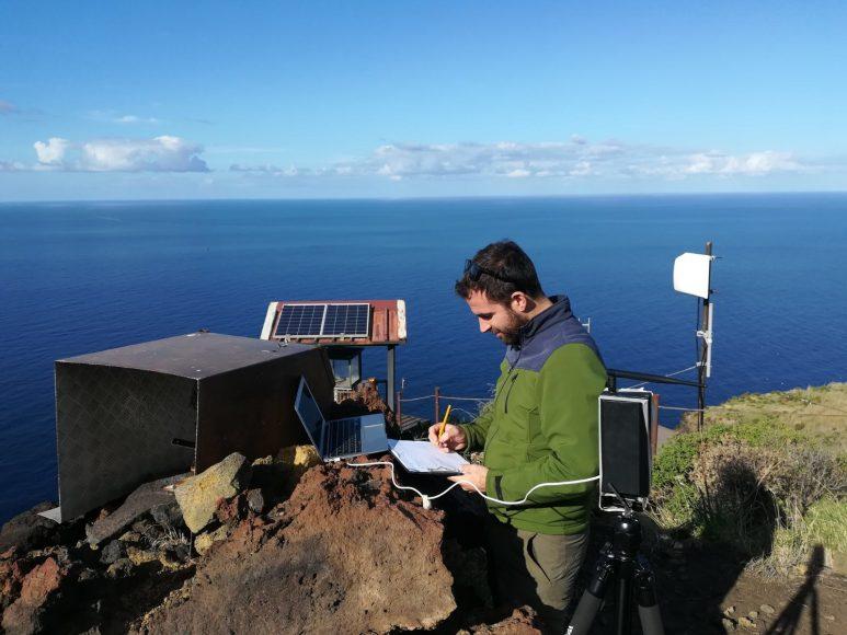 Postazione di monitoraggio a Stromboli