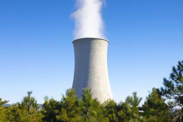 Centrale geotermica - Archivio fotografico 123rf.com - riproduzione riservata