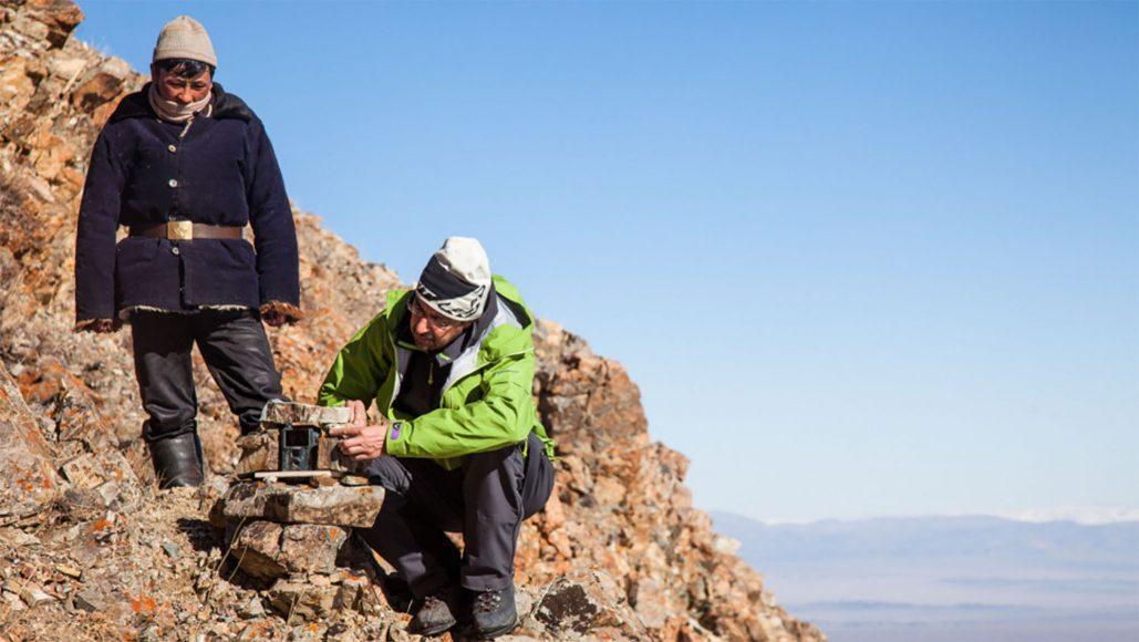 posizionamento delle foto-trappole (foto Lisa Brambilla)