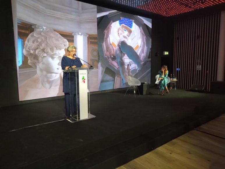 Grazia Tucci interviene presso il Padiglione Italia all'Expo Dubai
